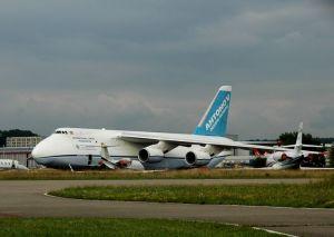 Die Antonov An 124 im Juli 2012 in Kloten. Bild: Hüfner